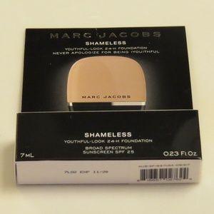 NEW Marc Jacobs Shameless Foundation Y420 .23oz